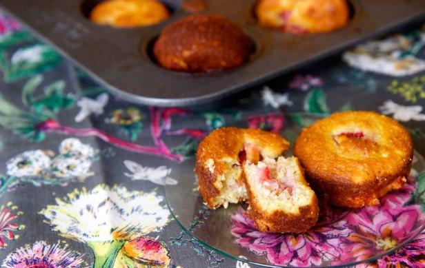 strawberry-muffins-870